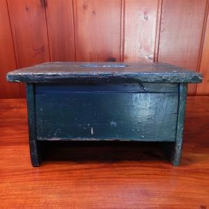 green wood stool 2